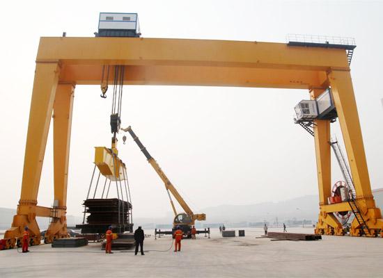Козловой кран 400 тонн